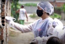 entrega de máscara contra covid-19 na zona rural de Penedo